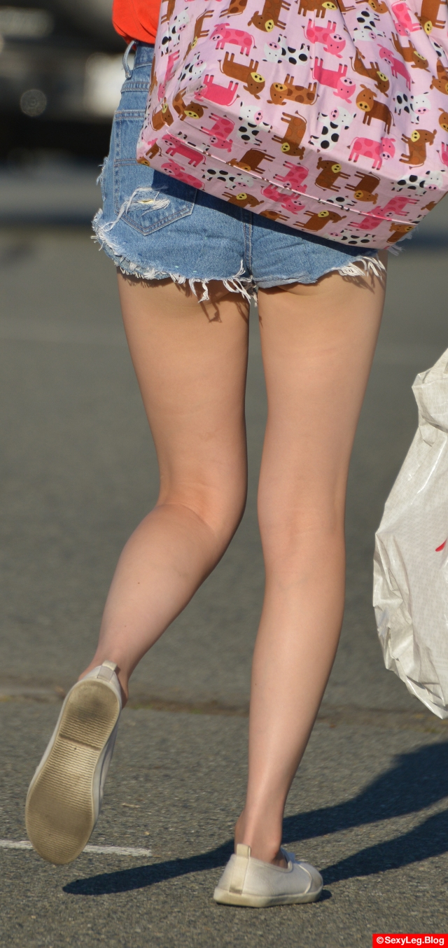 Sexy Smooth Legs and Butt Cheeks in Shorts
