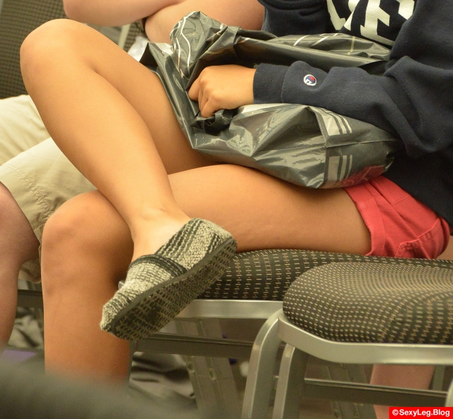 Sexy Cross Legs in Pink Shorts