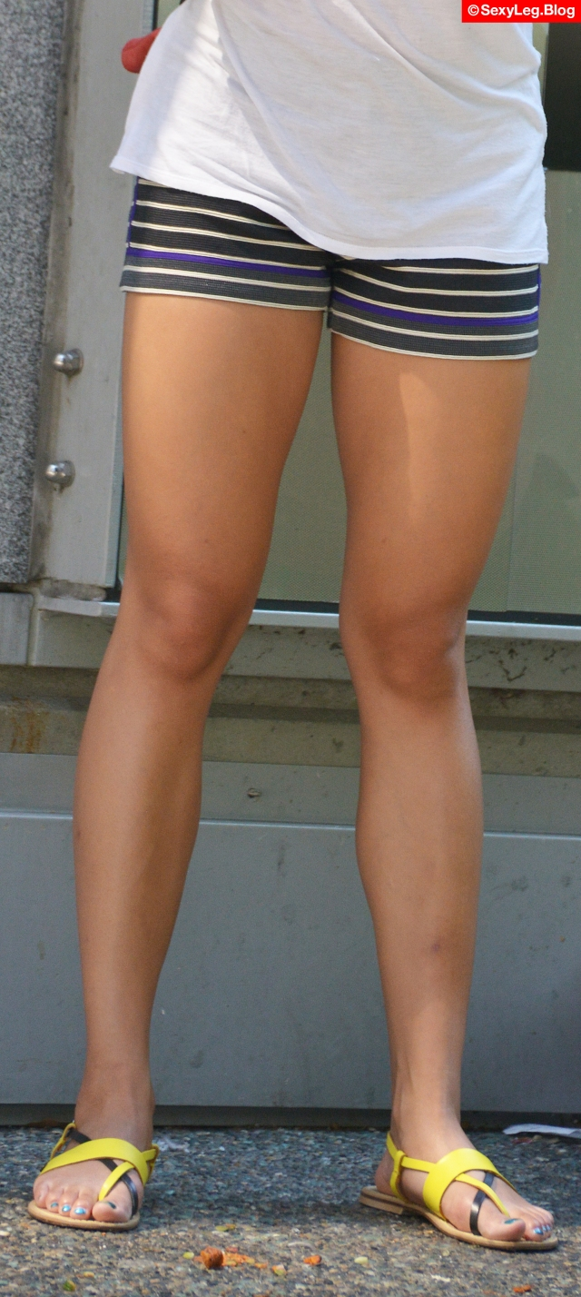 Sexy Fit Legs in Tight Shorts